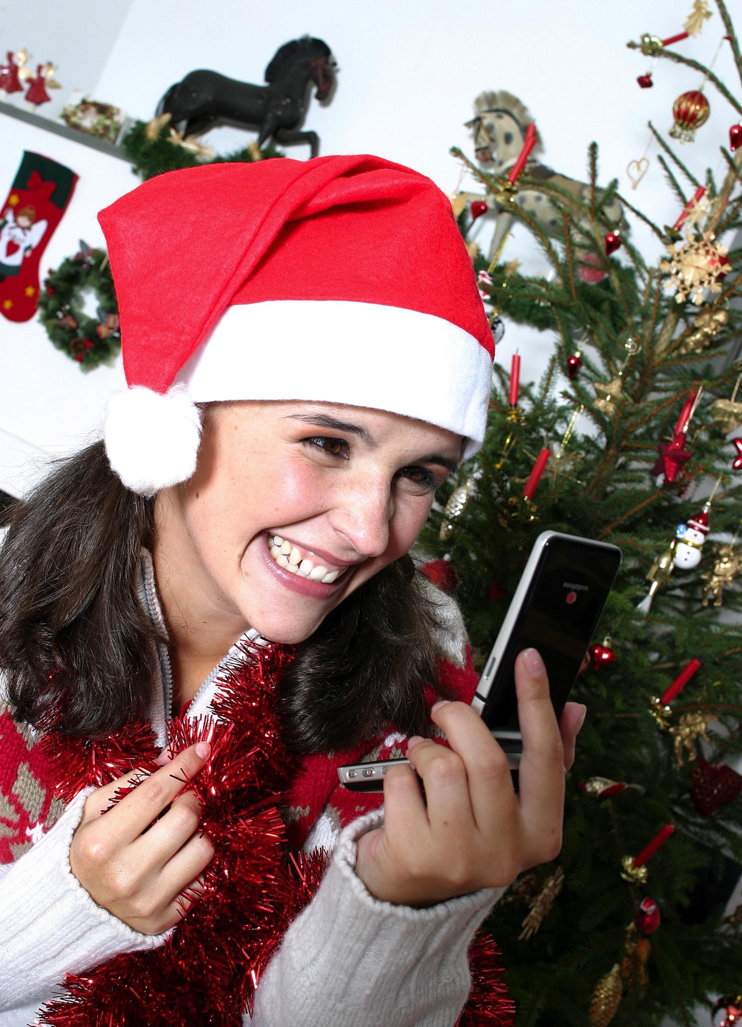 nikolaus geschenk von vodafone am 6 dezember unbegrenzt kostenlos sms und mms versenden. Black Bedroom Furniture Sets. Home Design Ideas