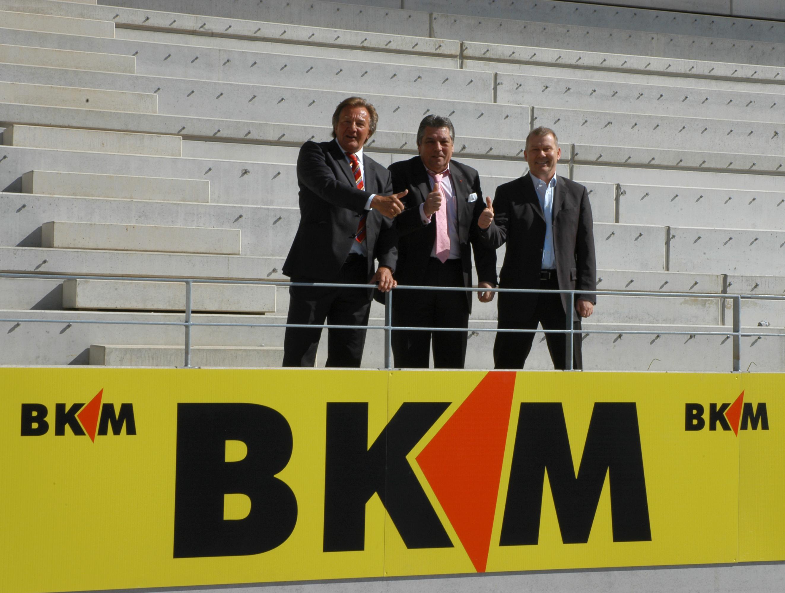 ^ Pressemitteilung BKM Bausparkasse Mainz G  Presseportal.de