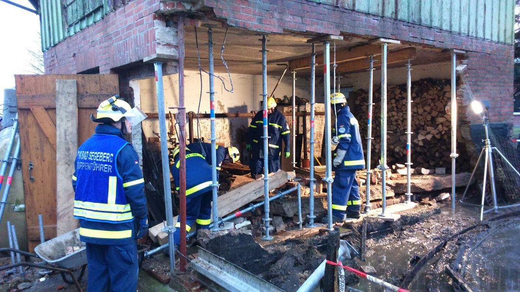 Notlage in Strenglin: 120.000 Liter Gülle überfluten Stadt - Feuerwehr im Einsatz