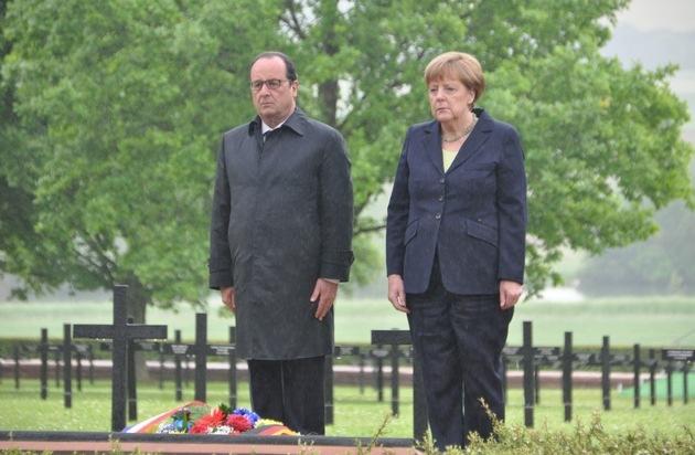 Volksbund Deutsche Kriegsgräberfürsorge: 100 Jahre Schlacht um Verdun / Merkel und Hollande gedenken der Gefallenen auf deutscher Kriegsgräberstätte Consenvoye