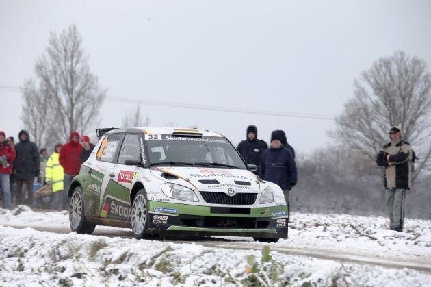 Rallye Monte Carlo, Halbzeit Tag 1: Platz 13 gesamt, Zweiter in der WRC 2