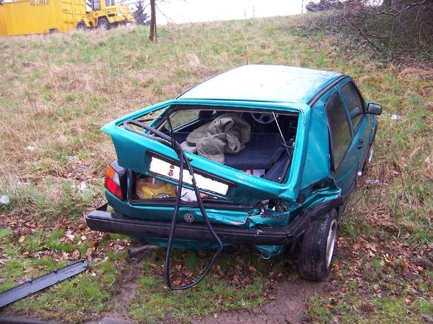 POL-HI: Frontalzusammenstoss mit zwei Schwerverletzten