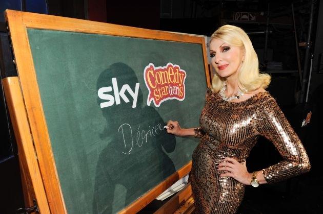 """Neue TV-Show mit Désirée Nick startet am Montag: Acht Comedy-Talente kämpfen um die Krone bei """"Sky Comedy Star(ter)s"""" (mit Bild)"""