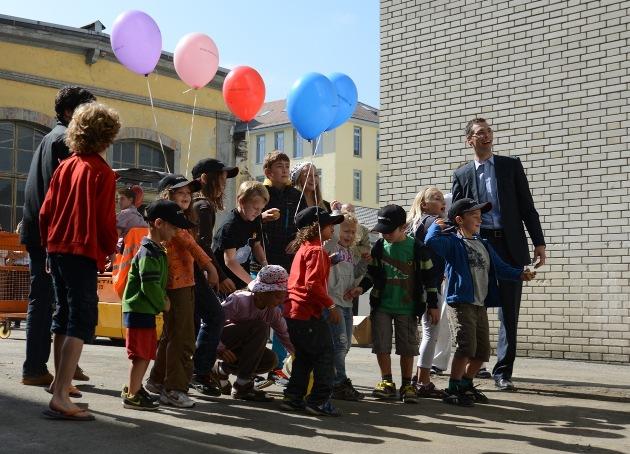 HIAG Immobilien: Kunstvolles Durchstichfest auf dem Kunzareal in Windisch