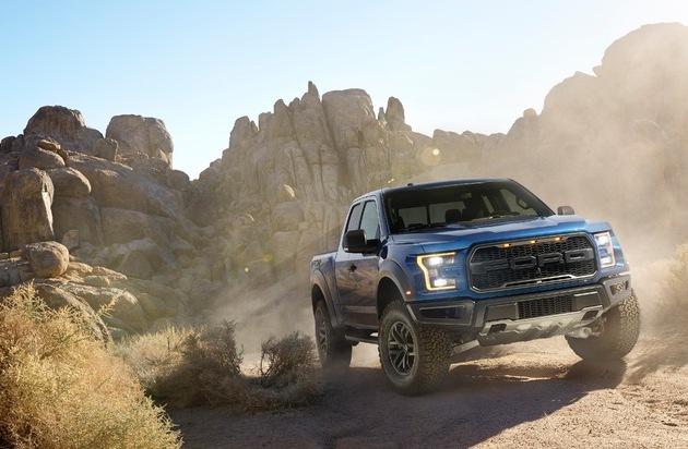 Ford-Werke GmbH: Ford enthüllt Hochleistungs-Pick-up F-150 Raptor mit EcoBoost-Triebwerk auf der Detroit Motorshow