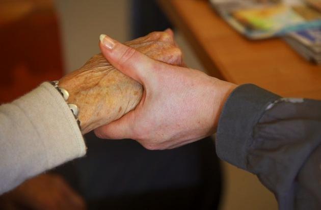 Verein Freunde Alterszentrum Doldertal c/o Kampagnons: Demenz-Treffpunkt in den Sozialen Medien stösst auf enormes Interesse / «Demenz Zürich - Betroffene für Betroffene»