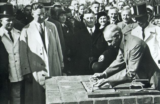 Ford-Werke GmbH: Der Startschuss fällt 1925 in Berlin: Ford in Deutschland blickt auf 90 erfolgreiche Jahre zurück