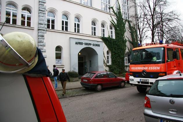 FW-E: Zwischenfall im Chemiesaal der Alfred-Krupp-Schule