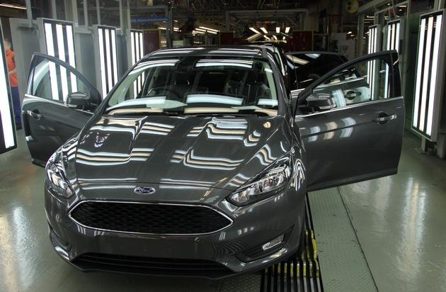 Ford-Werke GmbH: Doppelte Freude bei Ford in Saarlouis: Fünfmillionster Ford Focus läuft vom Band und Werk begeht sein 45. Jubiläum