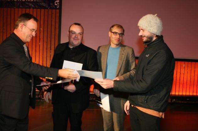 """Karl-Sczuka-Preis an das """"Institut fuer Feinmotorik"""" verliehen / Förderpreis geht an Ulrike Janssen / Preisverleihung in Donaueschingen (mit Bild)"""