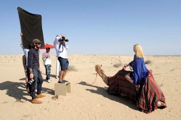 Heidi Klum schickt ihre Mädchen auf High Heels in die Wüste