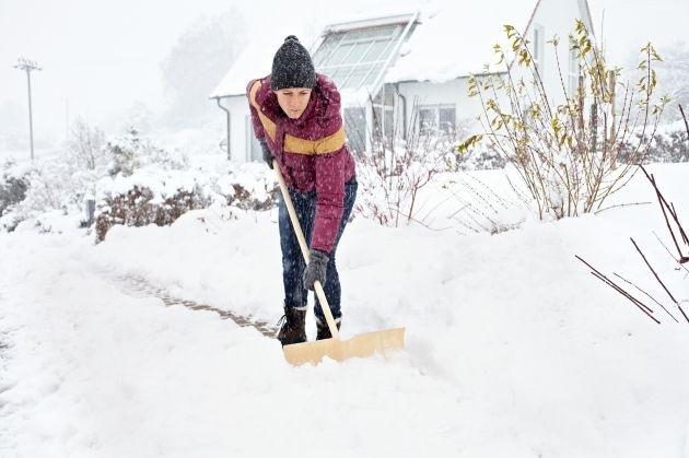 Tipps für den Alltag / Wann muss man Schneeschieber greifen?