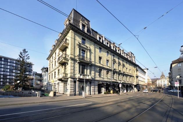 Colliers International présente le rapport 2013 sur le marché suisse des bureaux / De plus en plus de bureaux sont vides : sombres perspectives pour le marché des bureaux