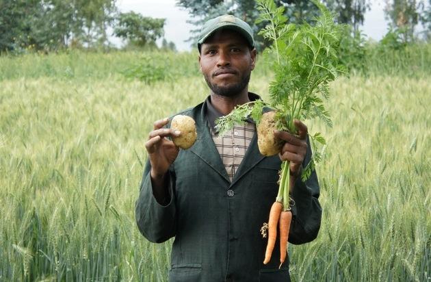 Die Stiftung Menschen für Menschen: Stiftung Menschen für Menschen - Karlheinz Böhms Äthiopienhilfe legt Projektbilanz 2015 vor: Ernährungssicherheit, Bildung und die Bekämpfung von Fluchtursachen