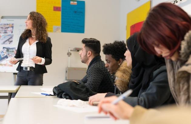 Deutschland im Plus - Die Stiftung für private Überschuldungsprävention: Wie macht man junge Migranten fit für den richtigen Umgang mit Geld?