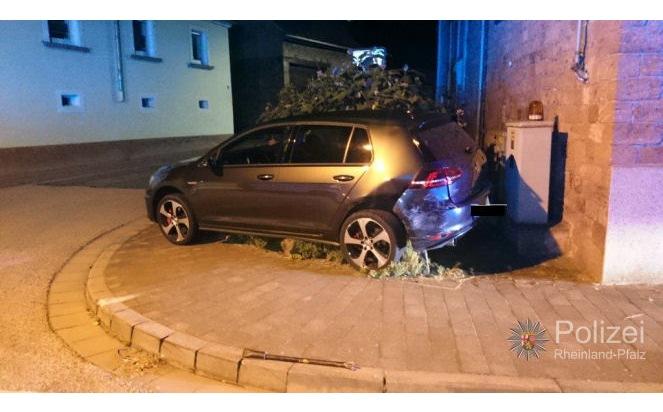 POL-PPWP: Verkehrsunfall mit 6 verletzten Personen