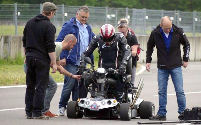 "GRIP - Das Motormagazin: ""Rekordversuch im Krankenfahrstuhl - Reloaded!"""