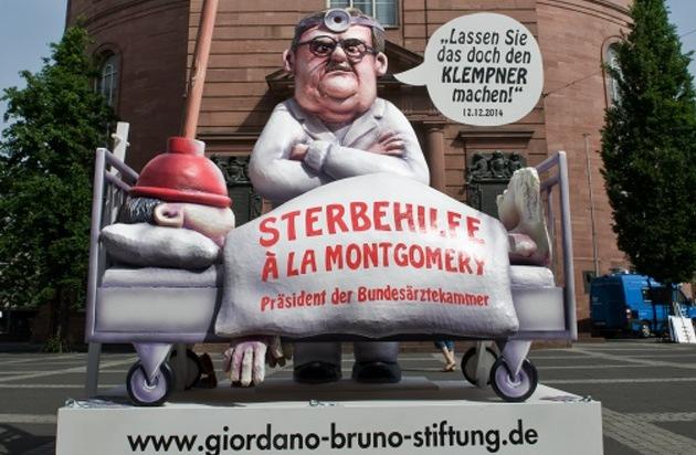 """Giordano Bruno Stiftung: """"Lassen Sie das doch den Klempner machen!"""" / Kunstaktion """"Sterbehilfe à la Montgomery"""" sorgt bei der Eröffnung des Deutschen Ärztetages für Aufsehen"""