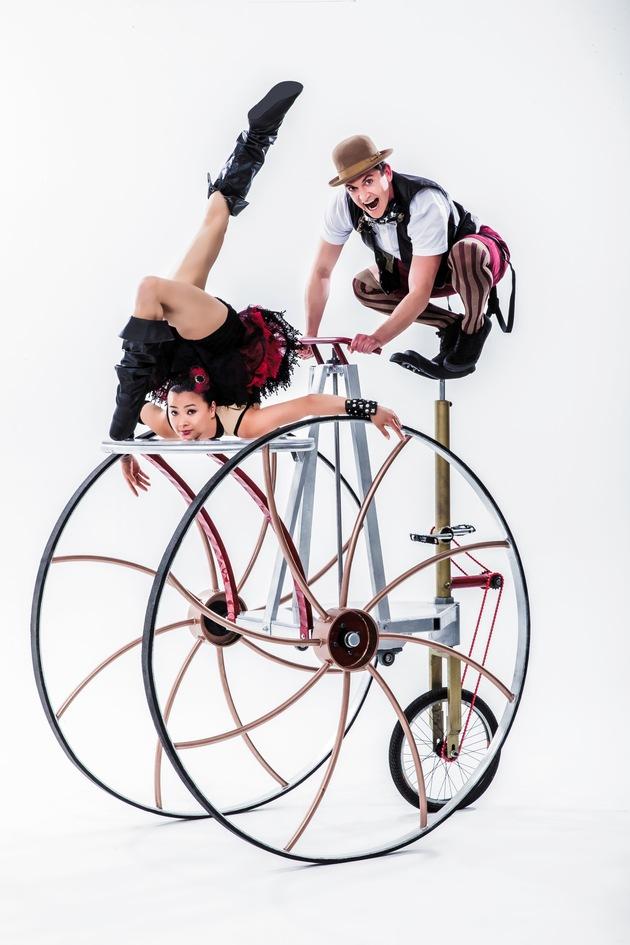 Neues Sommerfestival der Autostadt in Wolfsburg: Sechs Wochen Freude, fantasievolle Shows und atemberaubende Akrobatik des Cirque Nouveau