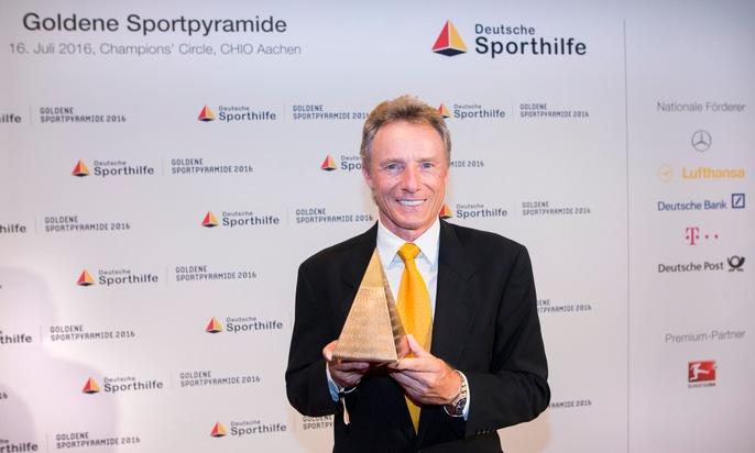 """Bernhard Langer mit """"Goldener Sportpyramide"""" ausgezeichnet"""