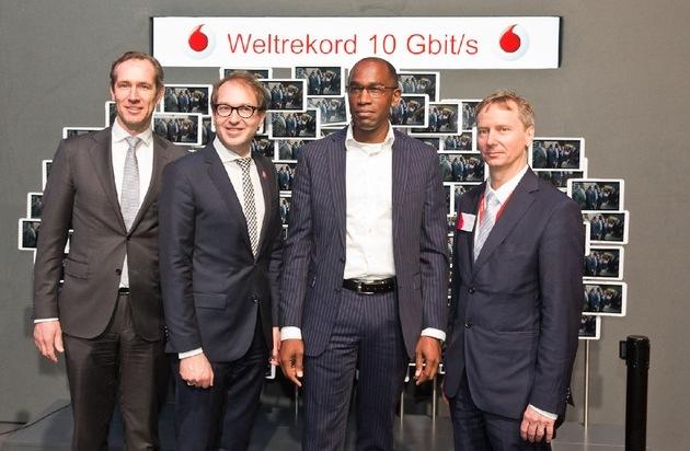 Vodafone GmbH: 5G: Vodafone präsentiert Turbo-Netz für den Digital-Minister