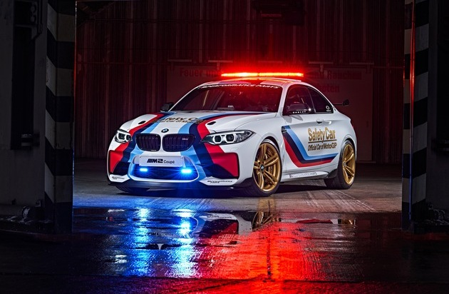 BMW Group: BMW M - OFFICIAL CAR OF MotoGP[TM] / BMW M2 MotoGP SAFETY CAR