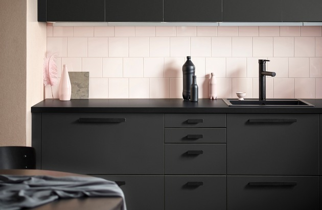 ikea bringt k chenfronten aus recycelten pet flaschen auf den markt pressemitteilung ikea. Black Bedroom Furniture Sets. Home Design Ideas