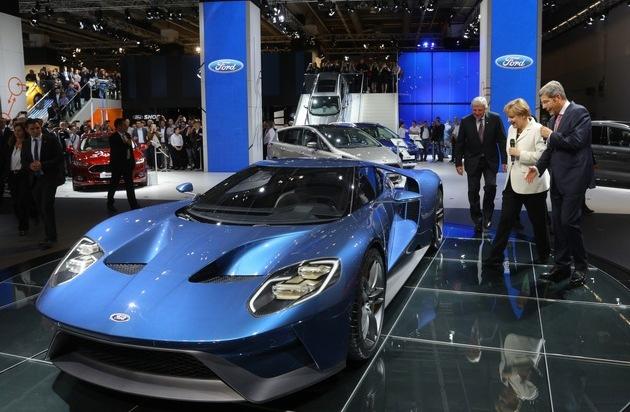 Ford-Werke GmbH: Bundeskanzlerin Angela Merkel besucht Ford auf der IAA