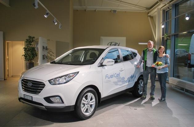HYUNDAI SUISSE Korean Motor Company, Kontich (B): Schweizer Privatkunde und die Empa in Dübendorf setzen das weltweit erste serienmässige Wasserstofffahrzeug von Hyundai ein