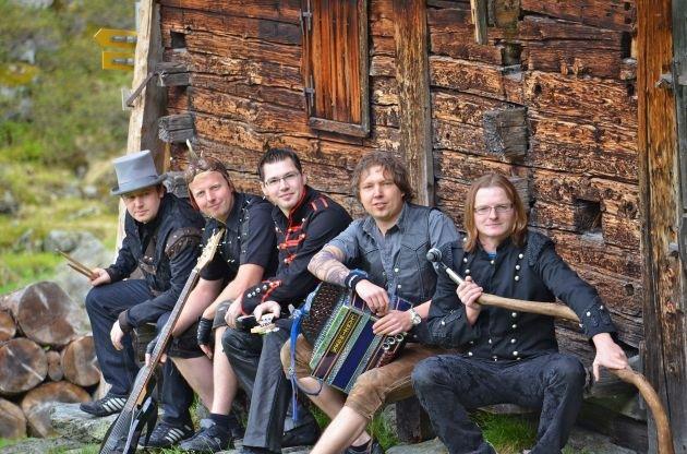 Die legendäre Perchtenrocknacht am 27.08.2011 im Alpbachtal Seenland - Party Rock im besonderen Ambiente