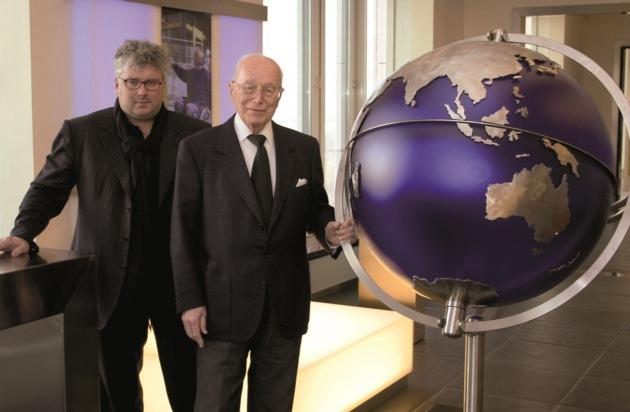 Otto Bock HealthCare GmbH: 100. Geburtstag Dr. Max Näder / 25 Jahre President und CEO  Professor Hans Georg Näder