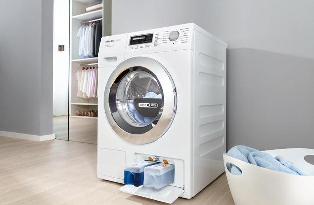 Miele & Cie. KG: Zur IFA 2016 präsentiert Miele seinen ersten beutellosen Staubsauger / Neuer Waschtrockner mit mehr  Beladung, mehr Tempo und automatischer Dosierung