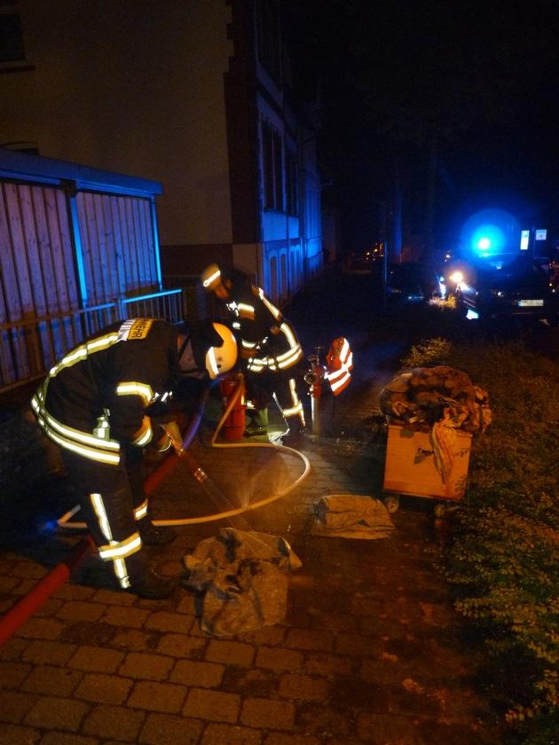FW-DT: Feuer in Wohnheim