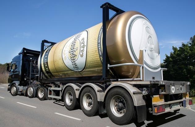 Warsteiner Brauerei: XXL-Bierdose gegen Sommerhitze / Mit 31.000 Litern Fassungsvermögen rollt die größte, mobile Bierdose auf Deutschlands Straßen