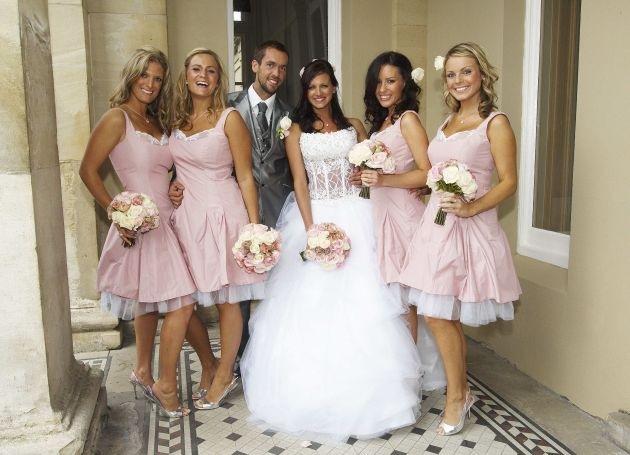 """An die Brautsträuße, fertig, los! """"Die perfekte Hochzeit!"""" ab Montag, 23. Juli 2012, um 15.20 Uhr, auf sixx"""