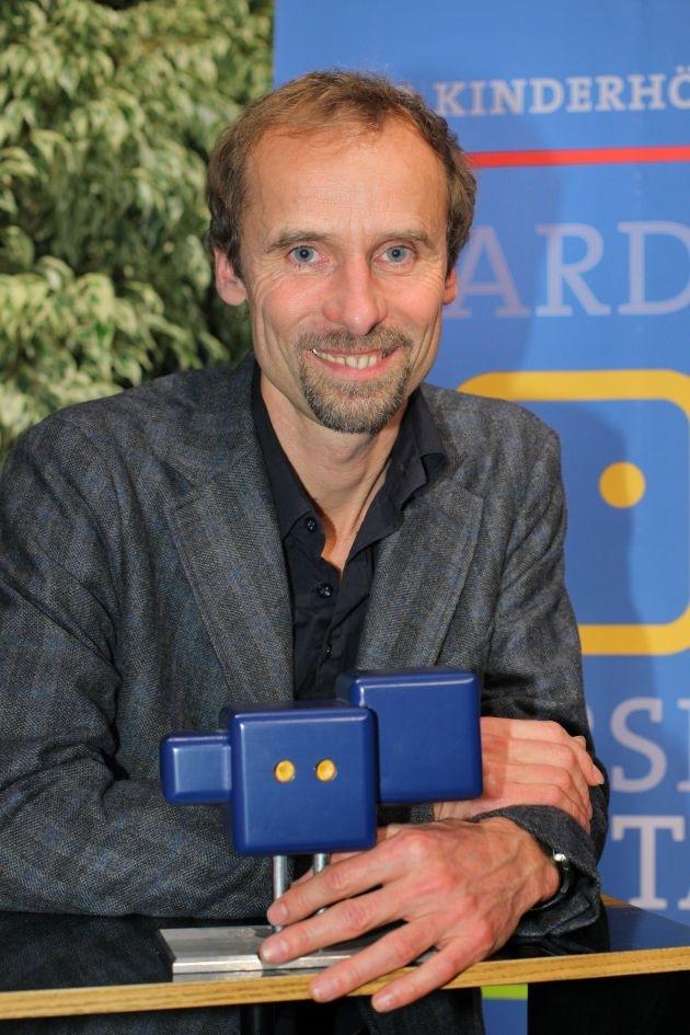 """Deutscher Hörspielpreis der ARD für NDR-Produktion """"Altersglühen oder Speed Dating für Senioren"""" / Auszeichnung für Jan Georg Schütte / """"Das Rätsel der Qualia"""" (HR) erhält den ARD Online Award (mit Bild)"""