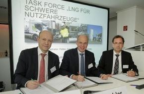 erdgas mobil GmbH: Taskforce für Flüssigerdgas gegründet: dena, DVGW und Zukunft ERDGAS wollen LNG als Kraftstoff etablieren