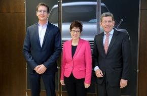 Ford-Werke GmbH: Ministerpräsidentin wirft bei Ford Blick hinter die Kulissen: Annegret Kramp-Karrenbauer zu Gast im Ford Design-Zentrum
