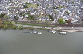 Polizeipräsidium Koblenz: POL-PPKO: Schwerer Verkehrsunfall auf der B 416 - Person lebensbedrohlich verletzt