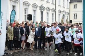 Coca-Cola Deutschland: Special Olympics 2016: Fackellauf mit Lift Unified Laufgruppen bildet Auftakt