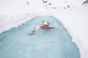 Schweiz Tourismus: Schweiz Tourismus (ST) lanciert Rivershow entlang des Rheins als Höhepunkte ihrer Sommerkampagne im «Jahr des Wassers 2012». / Wasserbotschafter Ernst Bromeis durchschwimmt in vier Wochen den Rhein.