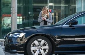 DEKRA SE: Fußgänger beim Überqueren der Straße: Riskante Ablenkung durch Smartphones / Erhebung der DEKRA Unfallforschung in sechs europäischen Hauptstädten
