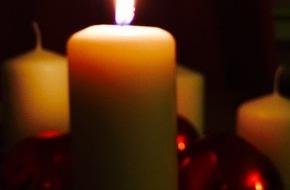 Deutscher Feuerwehrverband e. V. (DFV): Sichere Adventszeit: neun Tipps der Feuerwehren / Deutscher Feuerwehrverband mahnt zum sorgsamen Umgang mit Kerzen
