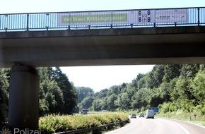 Polizeipräsidium Westpfalz: POL-PPWP: Rettungsgasse - Freie Durchfahrt für Einsatzkräfte Blaulicht und Martinshorn - was muss ich tun?
