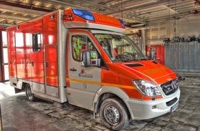 Feuerwehr Mönchengladbach: FW-MG: Bauarbeiter bei Sturz schwer verletzt