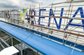 Brauerei C. & A. Veltins GmbH: Neue Strahlkraft: Schriftzug der Veltins-Arena mit LED-Technik spart künftig 60% Strom