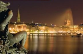 """Hamburg Tourismus GmbH: """"Hamburg, meine Perle...."""" / Mehr Hamburg erleben: Mit den neuen Reisepauschalen zu den maritimen Hamburg-Highlights 2012 (mit Bild)"""