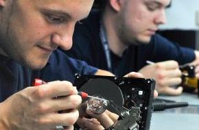 Convar Systeme Deutschland: Hartlauer - Österreichischer Filialist für Foto-, Optik-, Hörgeräte- und Handy-Produkte erweitert Portfolio um Datenrettungsangebot von Convar (mit Bild)