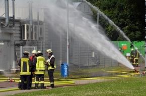 Feuerwehr Düsseldorf: FW-D: Gefahrguteinsatz in der Uni Düsseldorf