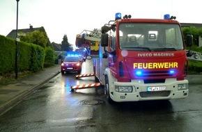 Feuerwehr Heiligenhaus: FW-Heiligenhaus: Loch im Dach nach Blitzeinschlag (Meldung 15/2016)